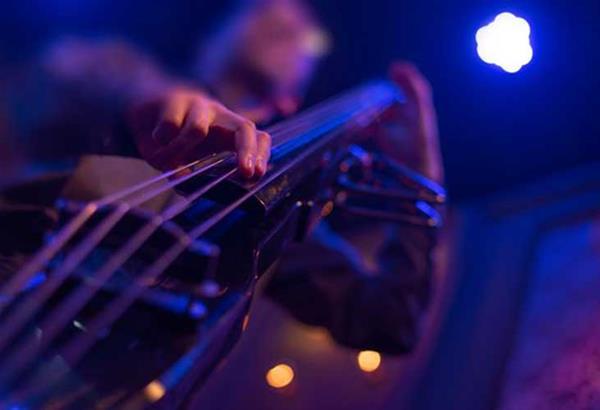 ΚΠΙΣΝ: Τζαζ συναυλίες και Θεατρικό Αναλόγιο από το σπίτι