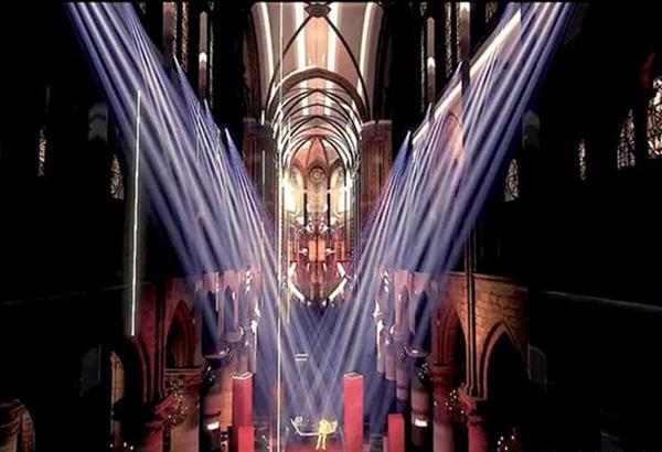 Ρεβεγιόν με τη virtual συναυλία του Ζαν Μισέλ Ζαρ στη Νοτρ Νταμ