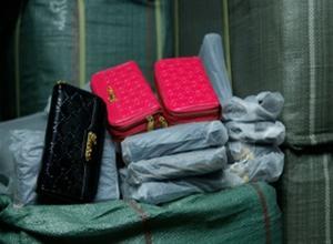 Μαϊμού προϊόντα κατασχέθηκαν στη λαϊκή της Χαριλάου