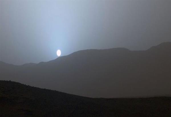 Το πρώτο ηλιοβασίλεμα από τον πλανήτη Αρη είναι μπλε