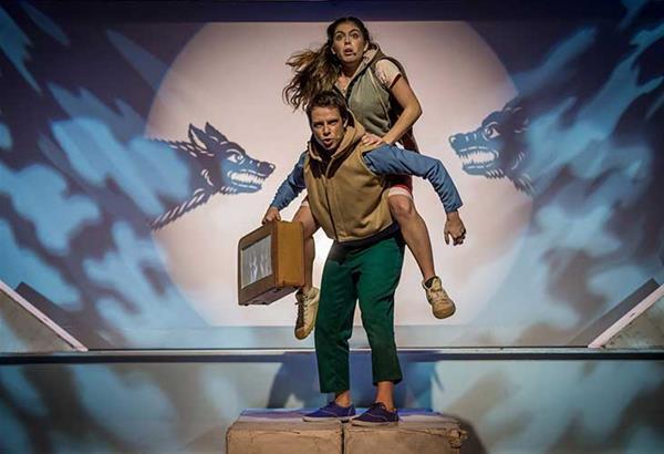 Το αγόρι με τη βαλίτσα στο Θέατρο Αμαλία