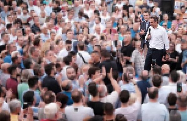 Έκλεισε η Τσιμισκή από τον κόσμο για την υποδοχή του Κυριάκου Μητσοτάκη