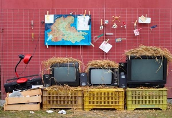 Έκθεση φωτογραφίας: Αθέατα όρια – αυτοσχέδιες κατασκευές του Πέτρου Ευσταθιάδη