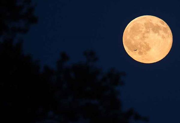 Πανσέληνος Σεπτεμβρίου: Εντυπωσιακό το «Φεγγάρι του Καλαμποκιού» (Corn Moon)