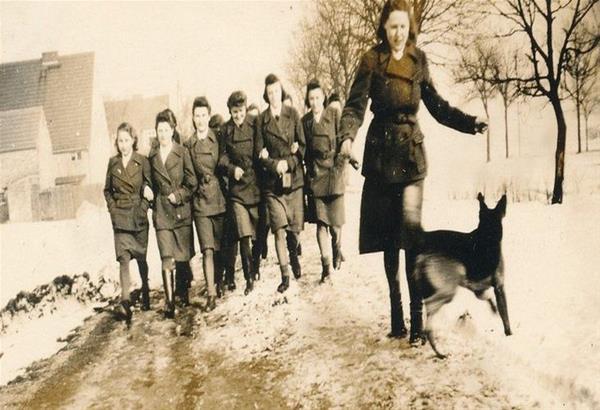 Η αγγελία εργασίας της δεκαετίας του 40 για γυναίκες που κατέληγαν να γίνουν δεσμοφύλακες SS