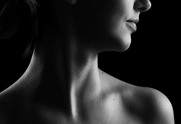 Όσο πιο εύκολα γυμνώνουν το σώμα τόσο πιο δύσκολα γυμνώνουν την ψυχή