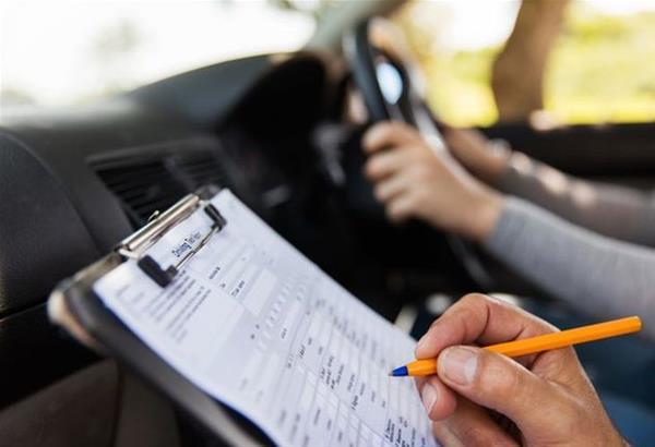 Υπουργείο Μεταφορών: Διευκρινίσεις για τις εξετάσεις οδήγησης