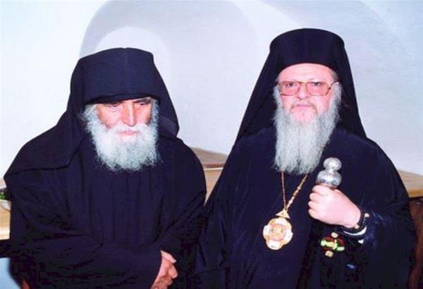 Σπάνιο βίντεο: Όταν ο Οικουμενικός Πατριάρχης συνάντησε τον Γέροντα Παϊσιο
