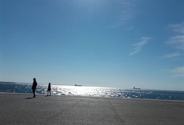 Θεσσαλονίκη: Το 75% των Θεσσαλονικέων επιλέγουν την παραλία της πόλης μόνο για βόλτα