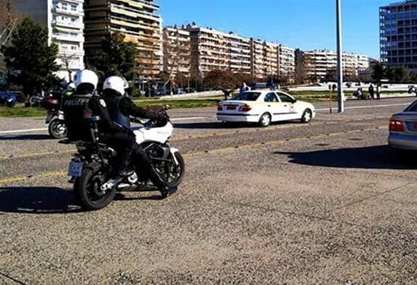 Lockdown-Θεσσαλονίκη: Στην παραλία για άθληση οι Θεσσαλονικείς και παρέμβαση της αστυνομίας