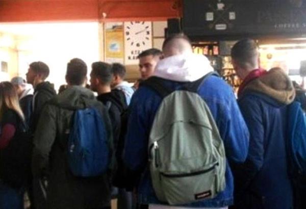 Πάτρα: Ουρές φοιτητών στα ΚΤΕΛ μετά την ανακοίνωση του ολικού lockdown