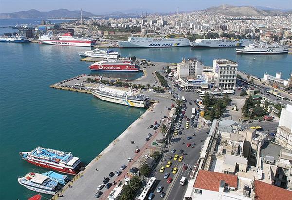Λιμάνι Πειραιά: 49χρονος άνδρας βρέθηκε νεκρός στη θάλασσα (βίντεο)