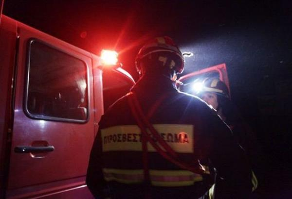 Στις φλόγες σταθμευμένο ΙΧ όχημα στην περιοχή της Νεάπολης τα ξημερώματα
