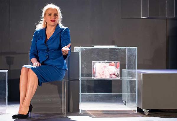 Η Shirley Valentine επιστρέφει στο Θέατρο Αριστοτέλειον
