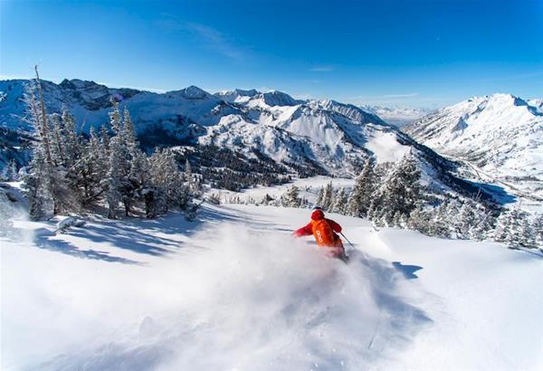Χιονοστιβάδα καταπλάκωσε 27χρονο Θεσσαλονικιό σκιέρ έξω από το Χιονοδρονικό κέντρο Βασιλίτσας