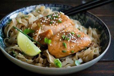 Ασιατικές γεύσεις στο πιάτο με σολωμό τεριγιάκι από τον Βαγγέλη Δρίσκα (βίντεο)