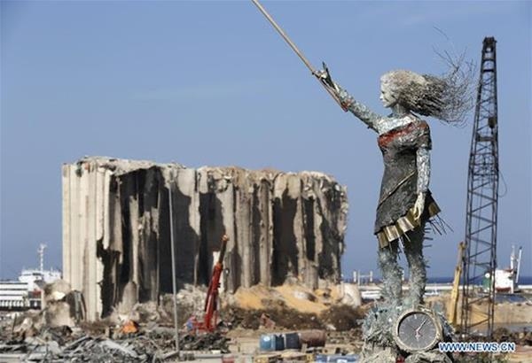 The Lady of the world: Το άγαλμα απέναντι από το σημείο έκρηξης στη Βυρητό