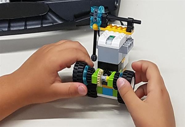 Μαθήματα-εργαστήρια STEM για μαθητές νηπιαγωγείου μέχρι ΣΤ Δημοτικού από το ΝΟΗΣΙΣ