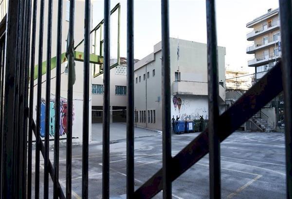 Εξαδάκτυλος: Ανοιχτά ενδεχόμενα το αυστηρό lockdown και να κλείσουν ξανά τα σχολεία