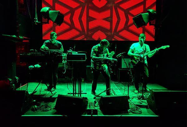 Διαδικτυακή συναυλία-party με τους Tendts από το MOMus