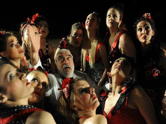 Οι «Θεσμοφοριάζουσες» στο θέατρο Δάσους