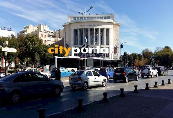 Θεσσαλονίκη: H διασπορά του ιού έχει ξεφύγει - Νέα μέτρα με κλείσιμο δημοτικών και απαγόρευση κυκλοφορίας.