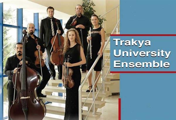 Tο μουσικό σύνολο Trakya University Ensemble στην Αίθουσα Τελετών του ΑΠΘ