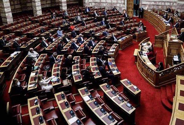 Βουλή: Με ευρύτατη πλειοψηφία εγκρίθηκε το ν/σ για την επέκταση των 12 ν.μ στο Ιόνιο (βίντεο)