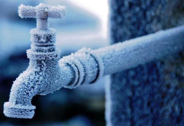 Παγετός: Τι να προσέξετε για να μην παγώσουν σωληνώσεις ύδρευσης και βρύσες