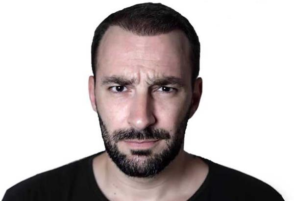 Τάιμινγκ : Stand up comedy με τον Γιώργο Χατζηπαύλου στο Κολοσσαίον