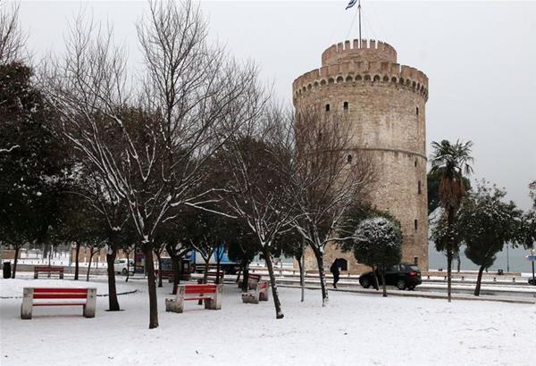 Θεσσαλονίκη: Xιόνια και κρύο σήμερα Σάββατο 23 Φεβρουαρίου στην πόλη