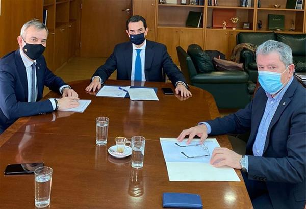 Συναντήσεις Ζέρβα στην Αθήνα με τους Υπουργούς Περιβάλλοντος και Ενέργειας