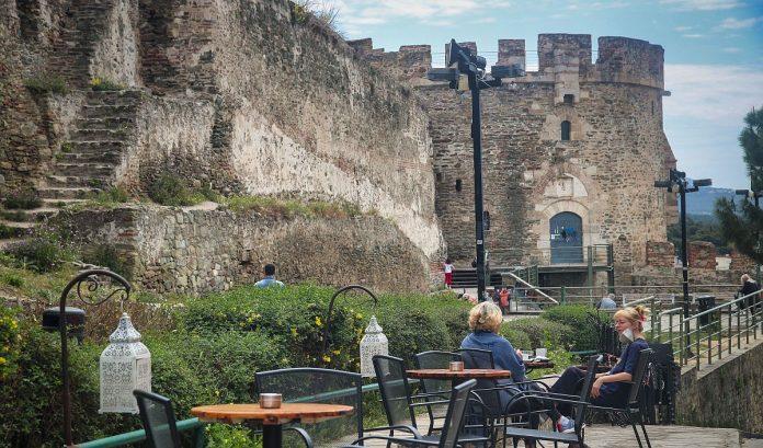 Η Θεσσαλονίκη μεταξύ των δέκα πιο ανθεκτικών πόλεων στην Ευρώπη για ταξίδια στο καλοκαίρι