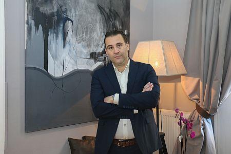 Νίκος Μπέσκος: Όλα όσα πρέπει να γνωρίζουμε για τη θεραπεία με νήματα (ΒΙΝΤΕΟ)