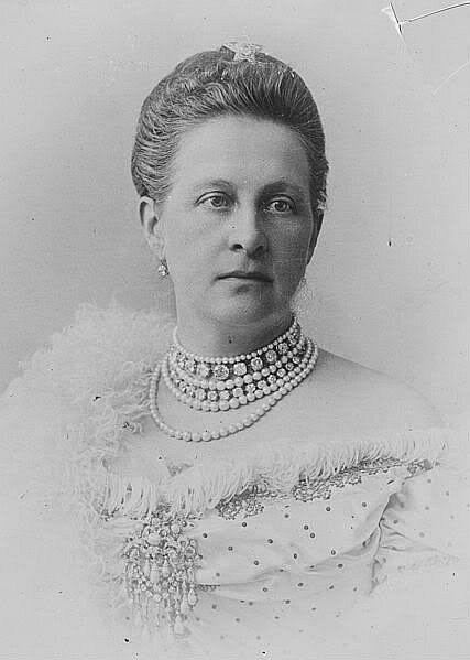 Βασίλισσα Όλγα: Η γαλαζοαίματη ιστορία