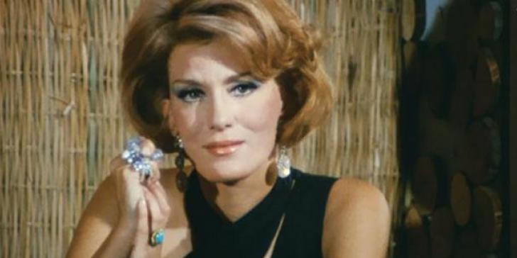 Μια Κυρία στα Μπουζούκια (1968)