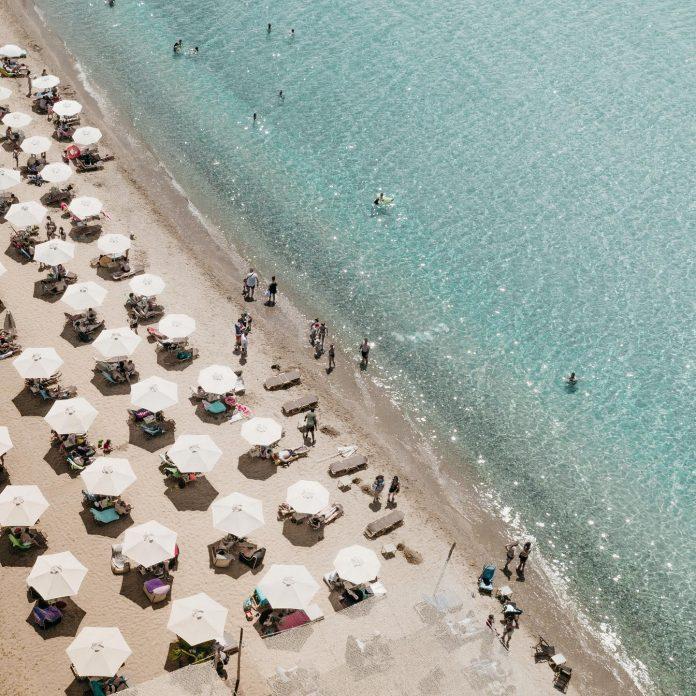 Mangata beach bar