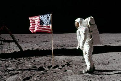 Ο άνθρωπος στο φεγγάρι: Οι θεωρίες συνωμοσίας και η απομυθοποίησή τους